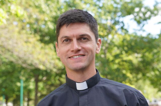 <h3>Brice Petitjean</h3> <p>Communauté de l'Emmanuel, curé</p>